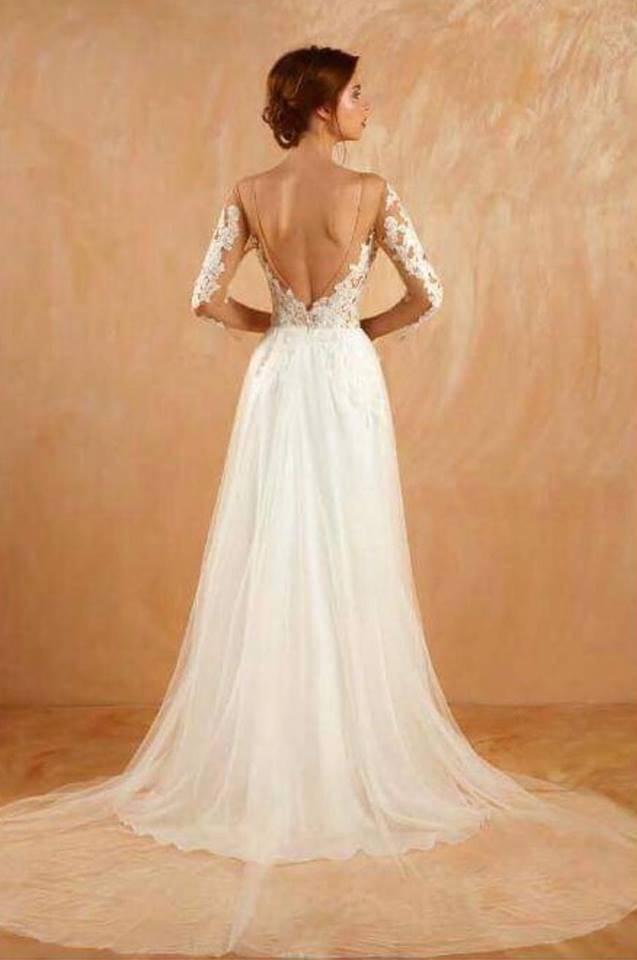 robe de mariée bohème avec longue traîne en transparence et manches longues à marseille ...